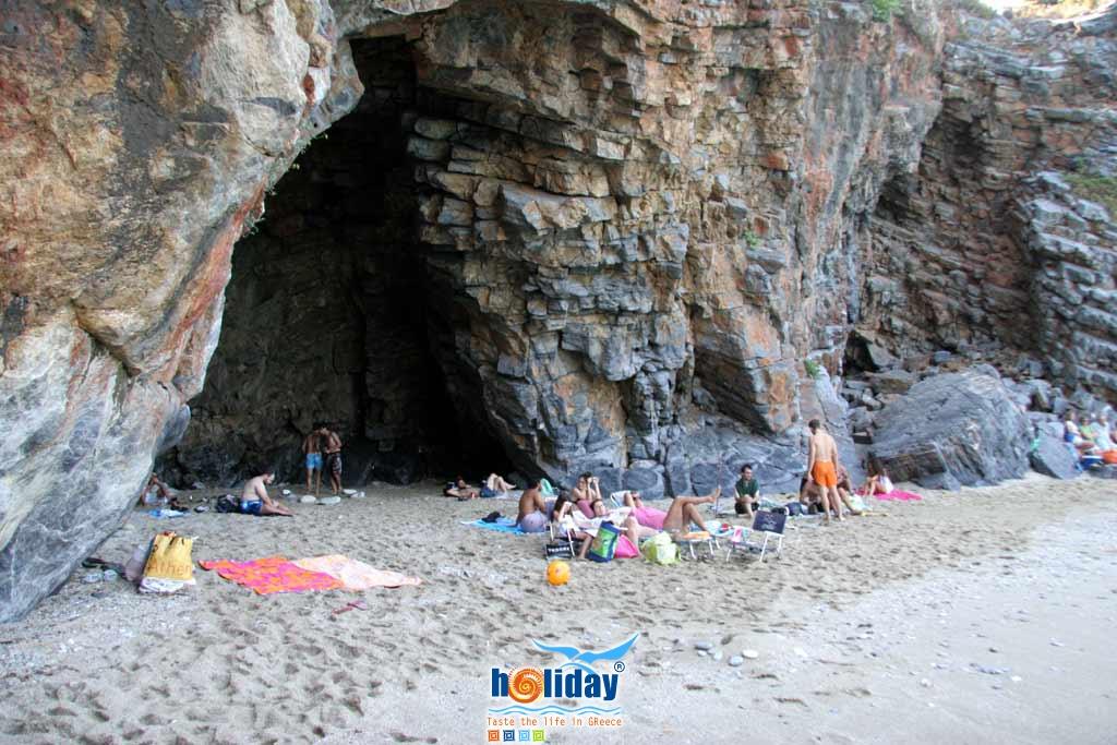 Milopotamos beach -